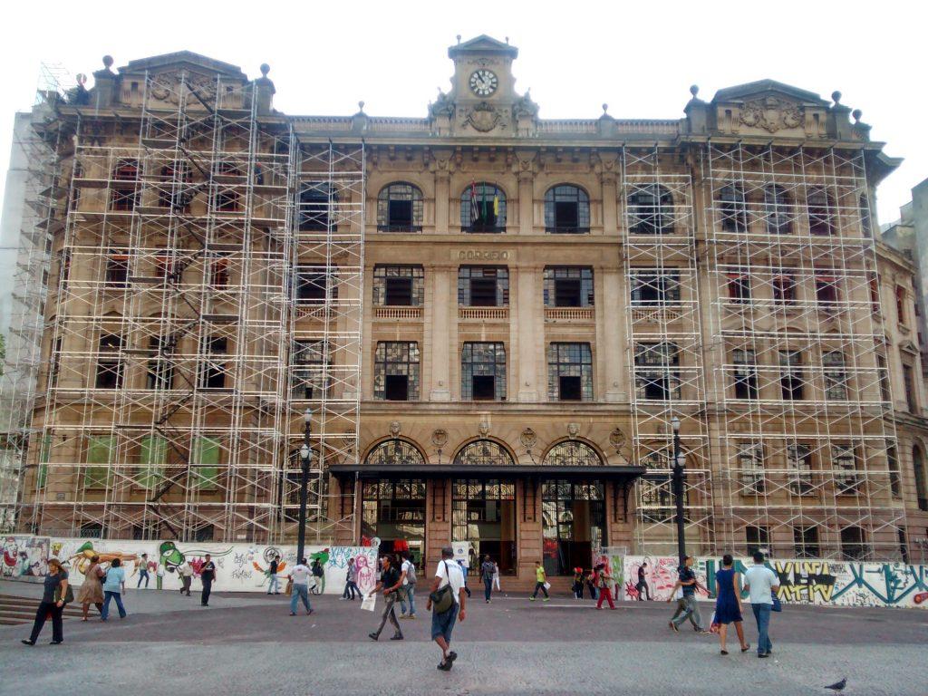 CORREIOS - Praça dos Correios, São Paulo - Andaimes Fachadeiros e Escada de Acesso