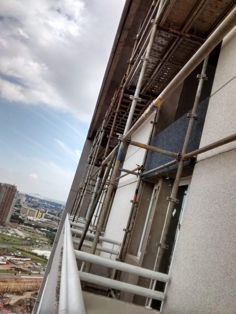 IBIS STYLE - Av. Marquês de São Vicente, São Paulo - Andaimes Multidirecionais p/ Reparo
